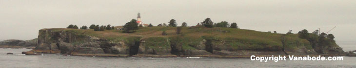 picture of lighthouse from cape flattery