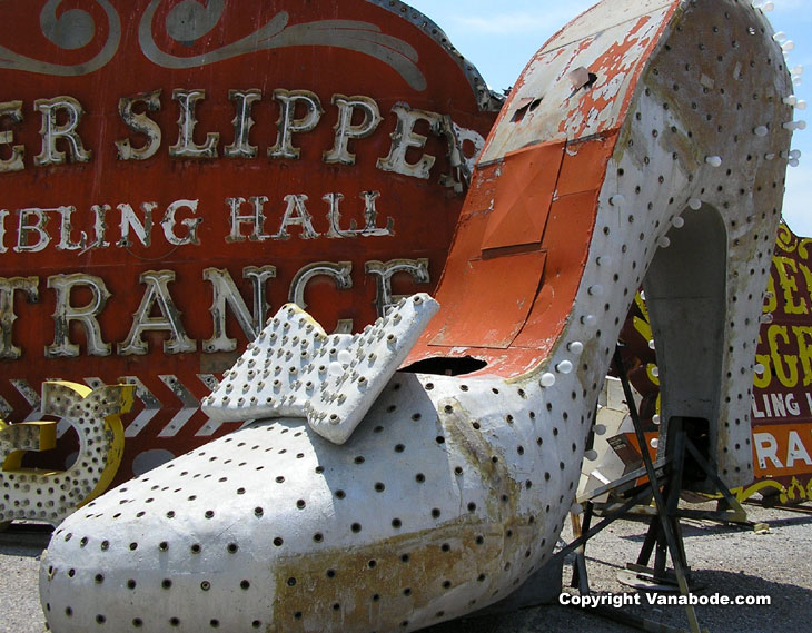 silver slipper picture at las vegas graveyard