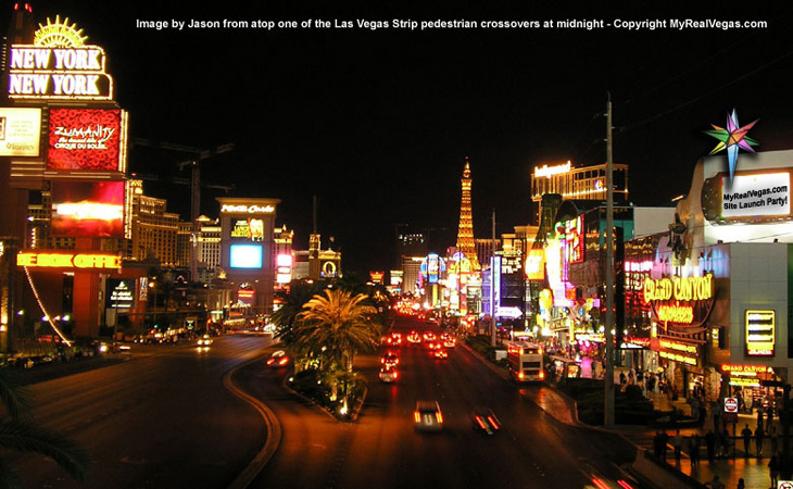las vegas strip at night picture