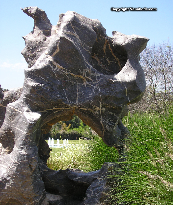 rock sculpture at california botanical gardens picture