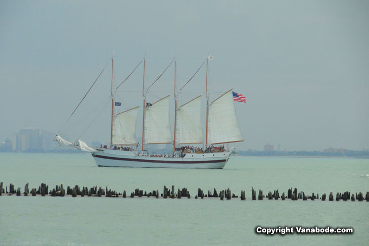 tall ship boat tours at navy pier in chicago