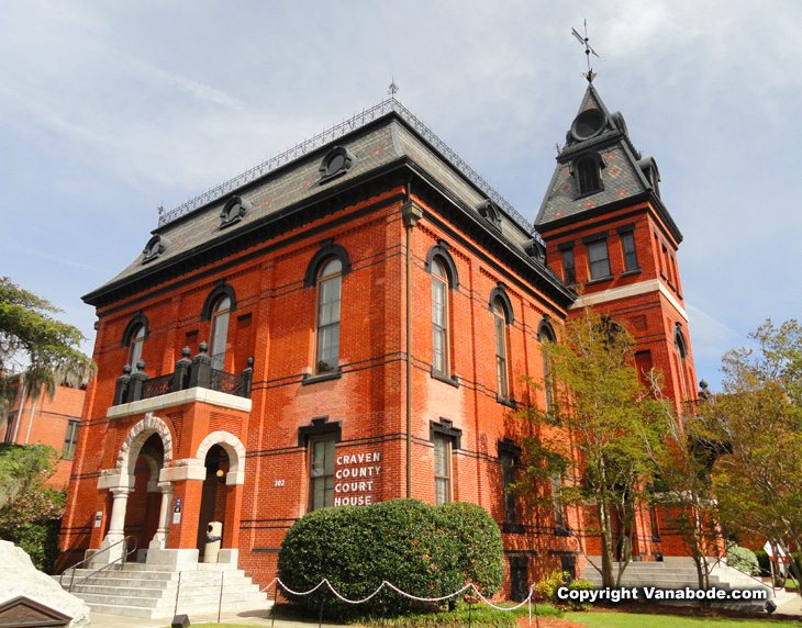New Bern Craven County courthouse with heavy brick repairs