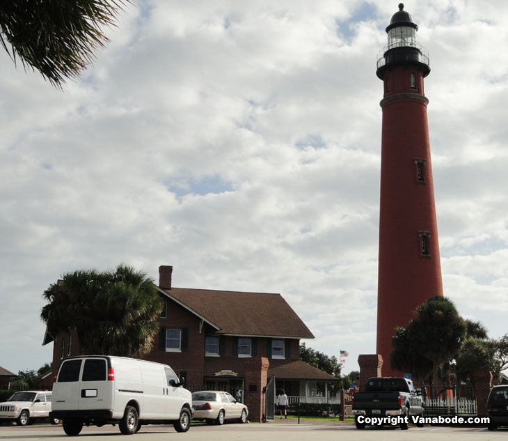 ponce lighthouse at daytona beach inlet picture