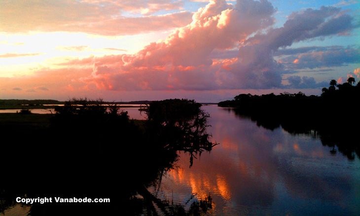 tomoka state park sunset over the water picture