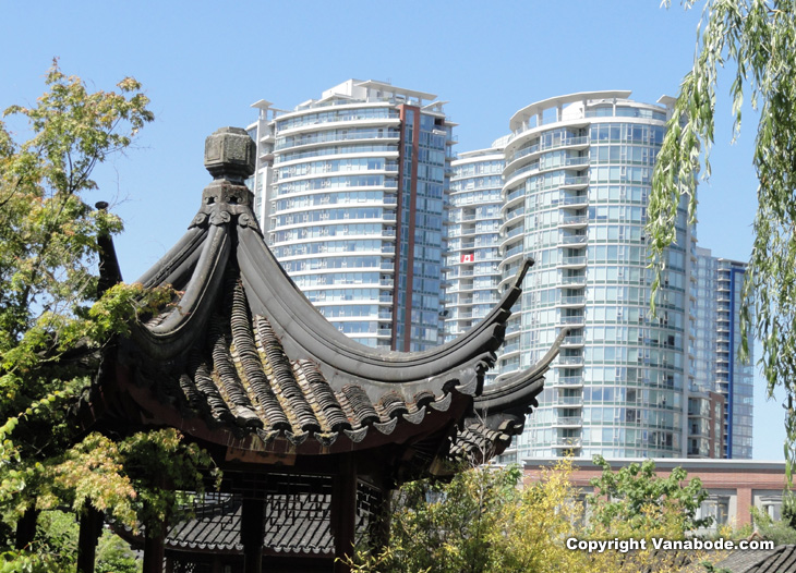 vancouver canada chinese gardens against modern buildings picture on a Vanabode trip