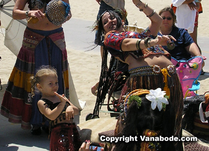 picture of belly dancers at venice beach
